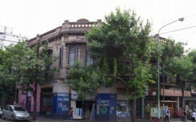VENTA EN BLOCK TODA LA ESQUINA – 2 LOCALES COMERCIALES – GALPON – 2 DEPARTAMENTOS